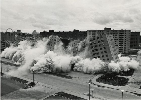 Demolition Of Pruitt–Igoe. Print/Poster (5182)